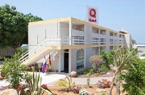 מלון קיו ויליג` חוף פולג נתניה