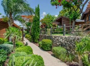 כפר הנופש רמות בקתות וסוויטות שלה